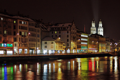 Zürich by night (bagal / pixelio.de)